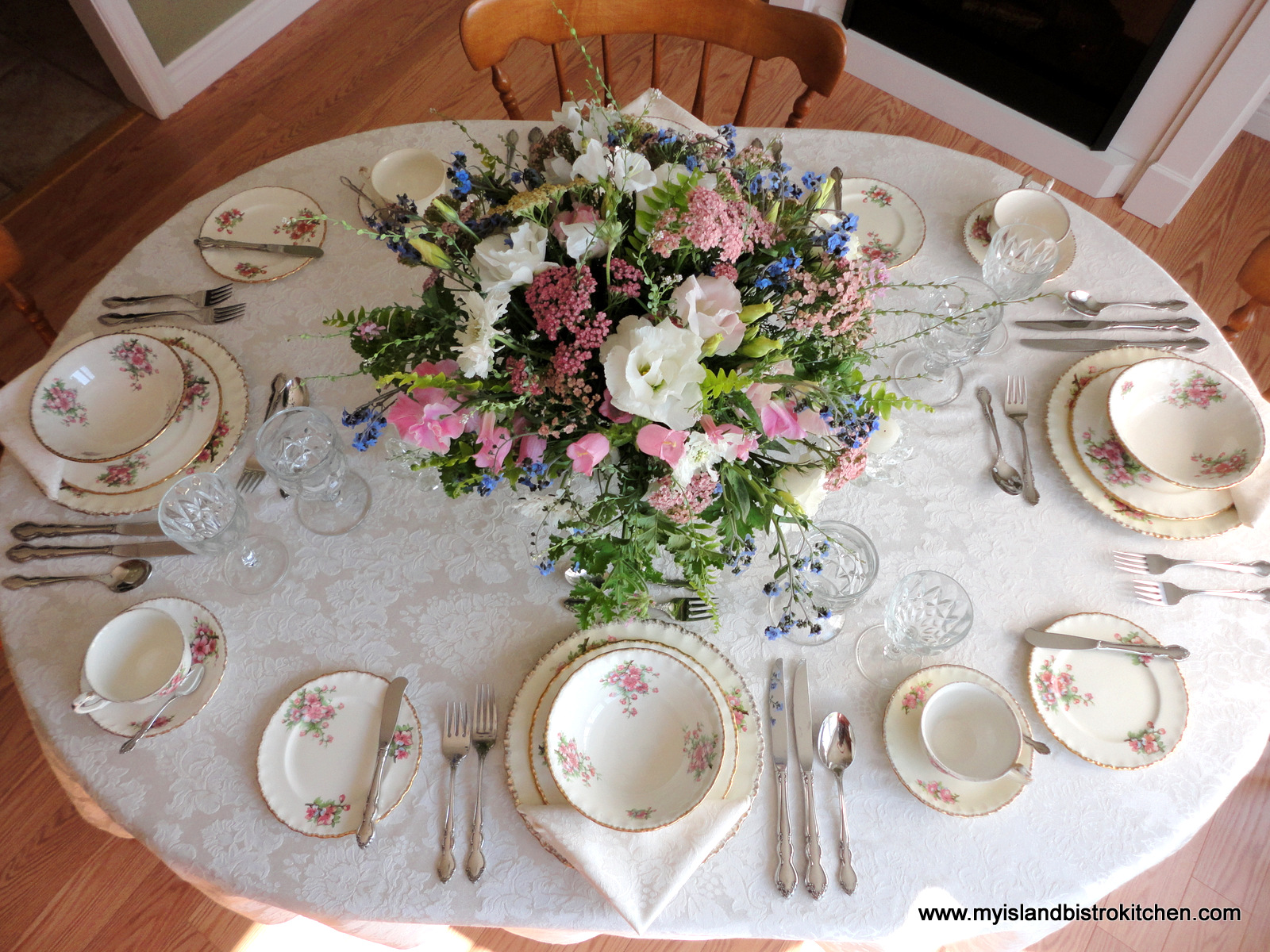 I think vintage tableware such as this calls for a romantic centerpiece. To find just the right flowers I visited Island Meadow Farms in York just minutes ... & When Vintage Meets Elegance