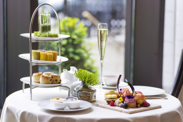 Scent of Summer Afternoon Tea (Photo courtesy of the Intercontental Park Lane Hotel)