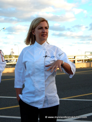 Chef Anna Olson giving a few hints of the evening's fare