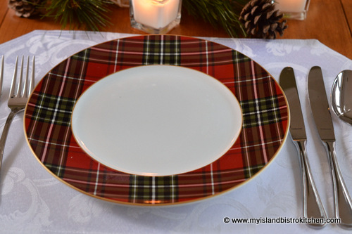 The salad plate is a full tartan design. The dinnerware has the versatility of allowing for an exchange of a plain red green or white plate with the plaid ... & A Tartan Holiday Tablesetting - My Island Bistro Kitchen