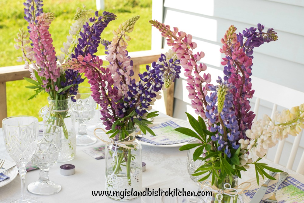Lupine Tablesetting