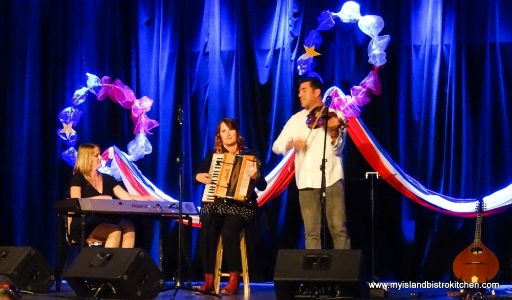 "Vishten entertaining at the PEI Fall Flavours ""Le Festin acadien avec homard"" event 2017"