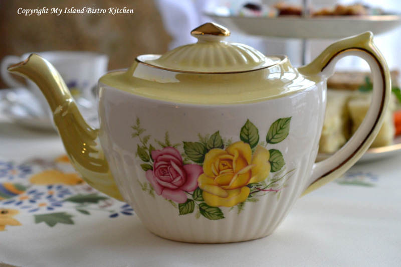 Gibsons Vintage Teapot