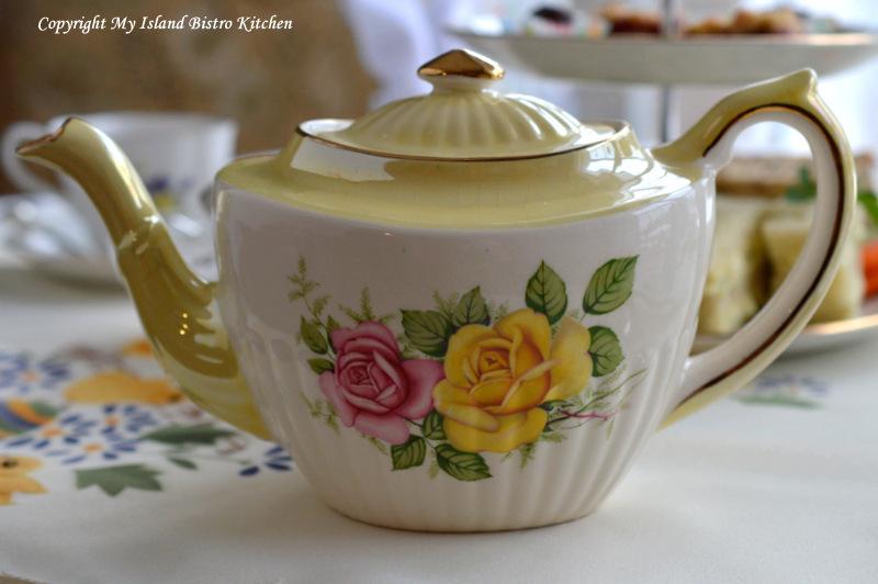Gibsons Vintage Teapot