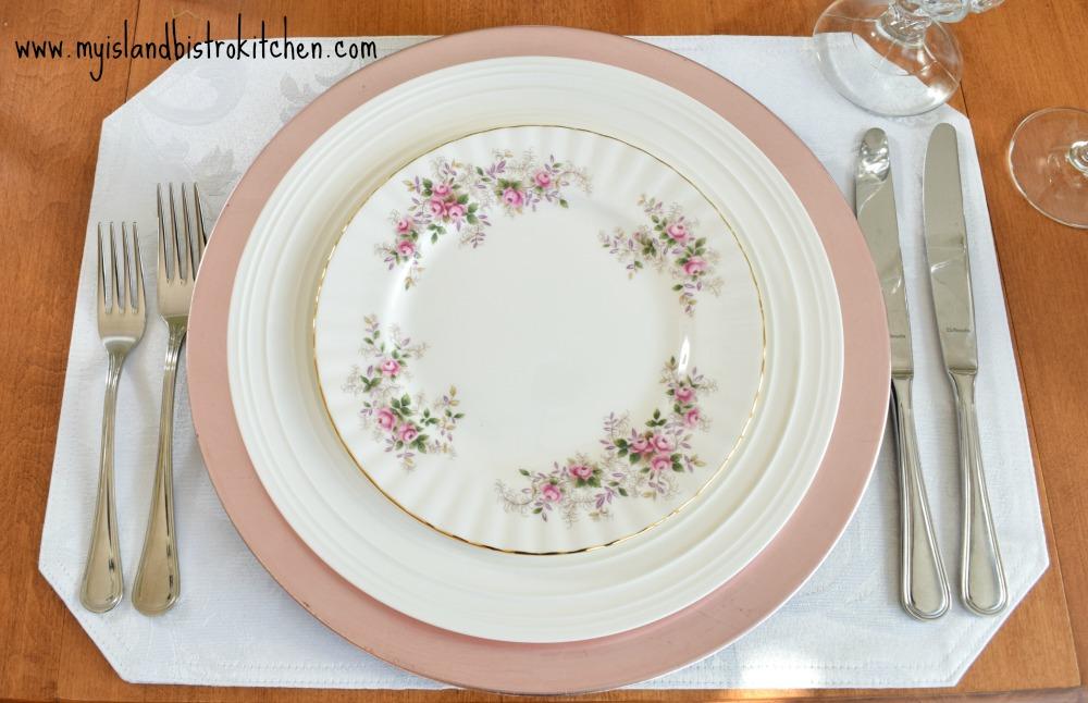 "Royal Albert ""Lavender Rose"" Pattern"