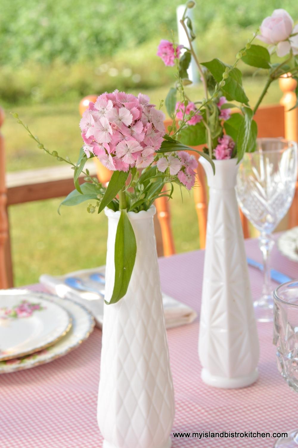 Multiple Floral Arrangements in Tablescape