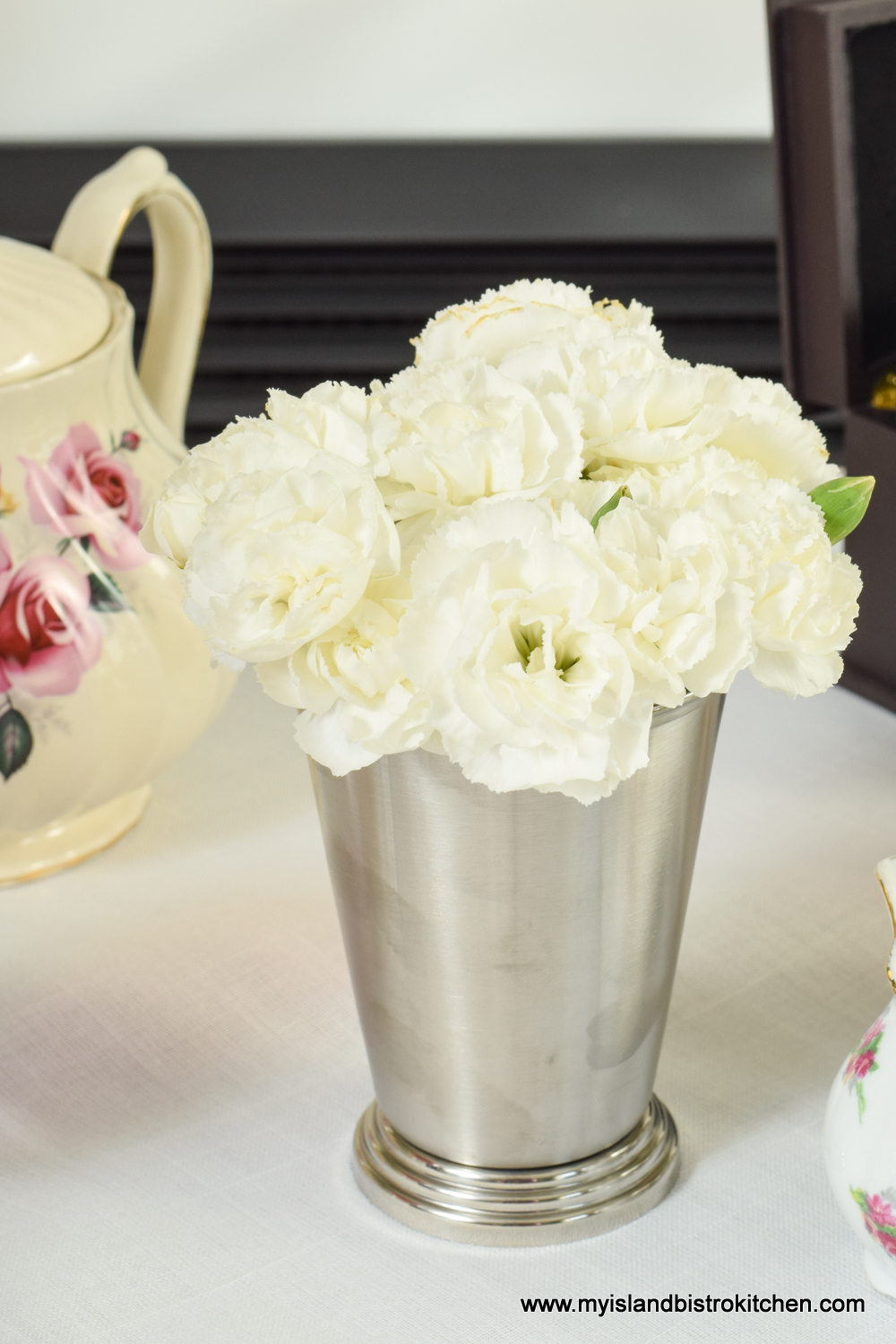 Bouquet of Mini White Carnations for the Tea Table