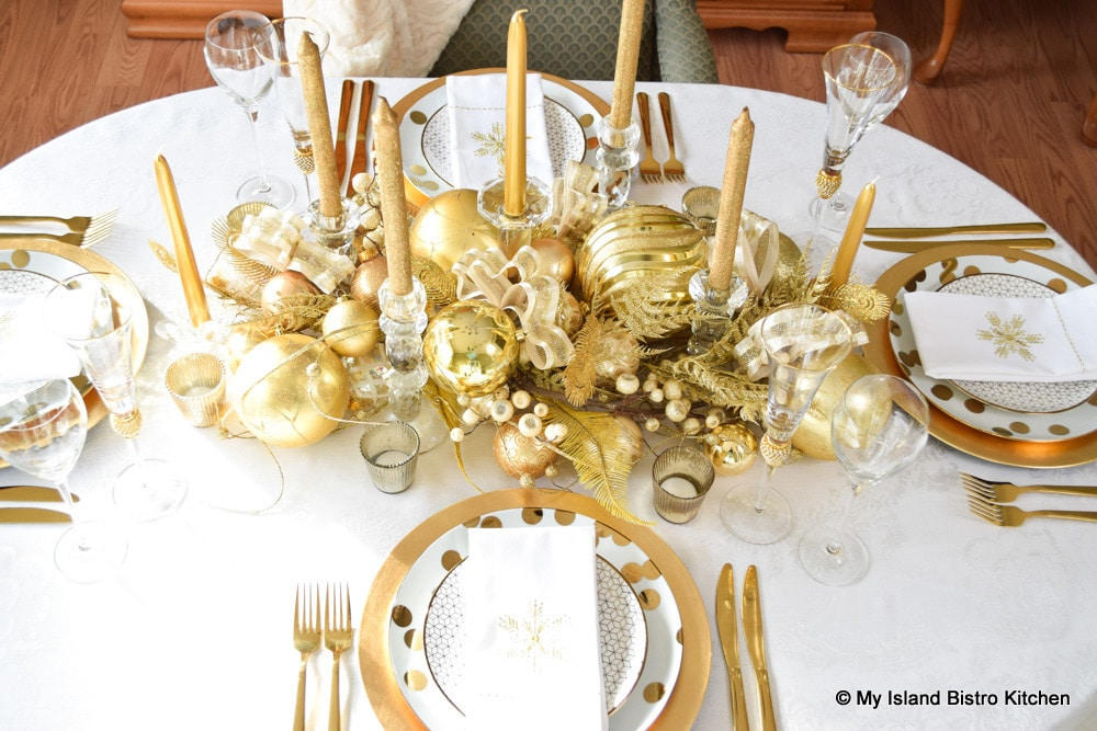 Glamorous Gold-Plated Christmas Tablesetting