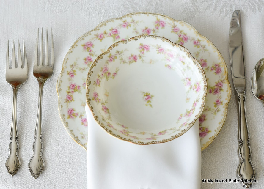 Top-down view of fruit nappy from MZ Austria teaset