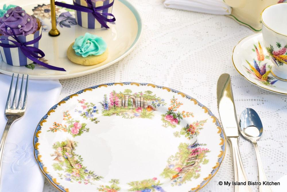 Pretty floral teaplates