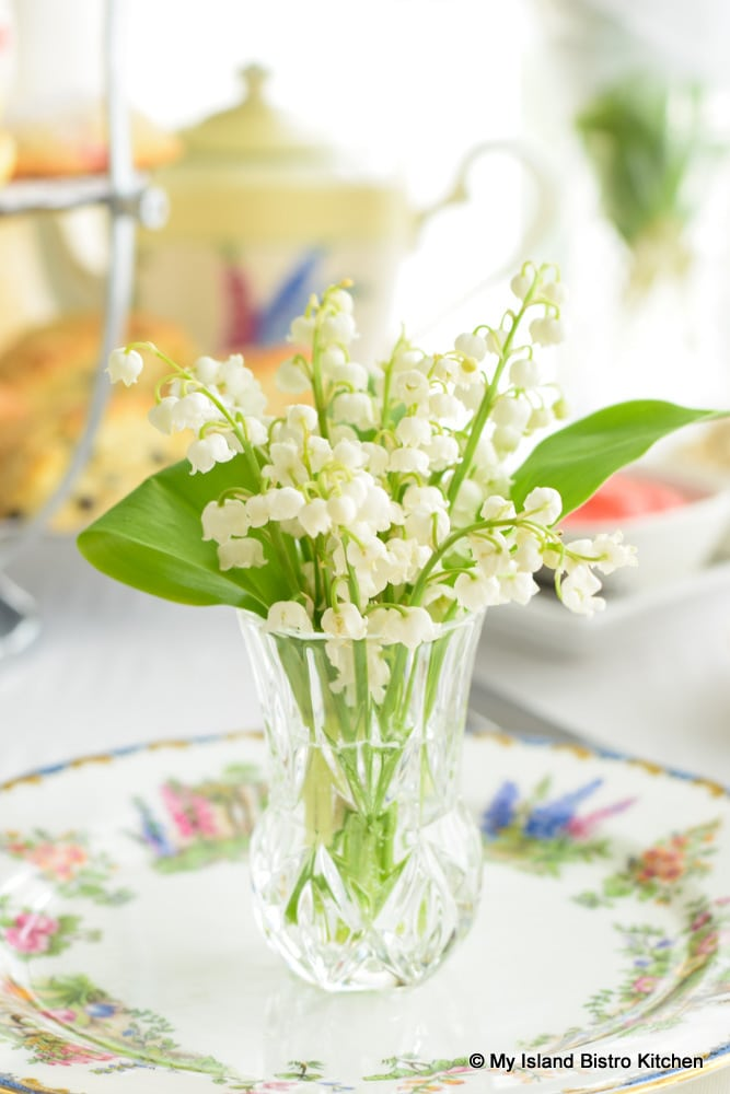 Tiny Lily of the Valley Bouquet for Placesetting